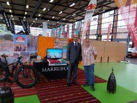 El Sr. Kamal MEHDAOUI, Cónsul del Reino de Marruecos en Bilbao, visita nuestro stand en BIBE y muestra el apoyo de Turismo de Marruecos a nuestro Raid. BARAK ALLAHU FIK